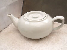 LARGE SQUAT WHITE TEAPOT   NO MAKER     HOLDS APPROX 1 3/4 PINTS