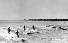 Photo. ca 1954. Corona Del Mar, California. Surfers - Waterfront