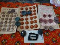 lot de boutons anciens et divers et divers 3cartes pleines  a saisir !!!