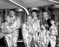 """LOST IN SPACE"" CAST FROM THE CBS TV PROGRAM - 8X10 PUBLICITY PHOTO (RT198)"