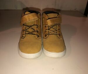 Carters Suede Toddler Boots Unisex Size 8 Gently Worn