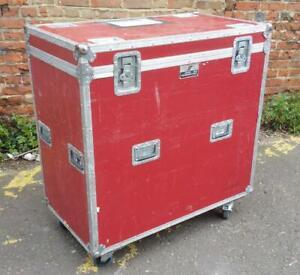 Very Large 5 Star Flightcase Music Equipment Transit Case 105x58x97cm on Wheels