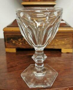BACCARAT Modele HARCOURT Verre VIN ROUGE Cristal Hauteur 13,5 cm Crystal Signe