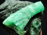 107g Stunning Columnar Gem Green EMERALD/BERYL Crystal on Rock