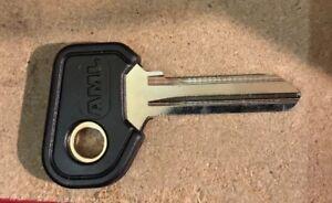 1 x 2.5mm Fiat Alfa Detomaso Ferrari Iveco Moto Guzzi X1/9 Key Blank Covered
