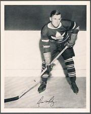 1945-54 Quaker Oats Photo Toronto Maple Leafs #36A Don Metz/Home, posed to right