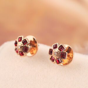 Henri Bendel Red and White  Flower Blossom Studded Earrings on Card