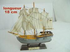 """ancienMaquette de bateau / Voilier 3 mats BOIS """"brigantin""""  18 cm"""