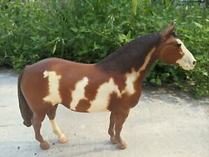 YELLOW MOUNT #51 Famous Paint Horse - Traditional - Breyer Molding Co.