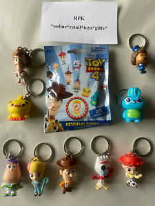 Toy Story 4 Buddy Keychain Surprise Bag CHOOSE YOUR OWN KEYRING BAG CLIP NEW