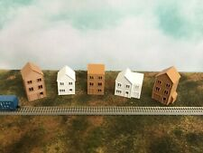 SUBURBAN ROW HOUSES 5 Pc SET in COLOR ~ HOLLOW ~ Z Scale 1:220 ~ NO ASSEMBLY!