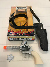 Tootsie Toy No 7222 American West  Gun Holster Set Die Cast Metal Toy 1995 w/box