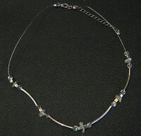 Lovely costume jewellery necklace in silver tone metal with clear beads