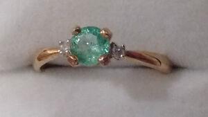 9k Gold Brazilian Paraiba Tourmaline and Diamond Ring