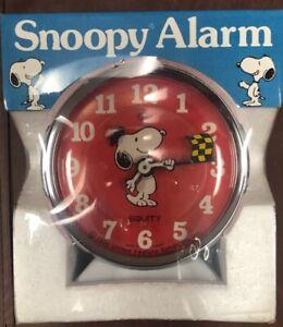 Snoopy Woodstock Alarm Clock windup racing flag mint in the box