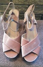 LADIES SIZE 8 PINK CRUSHED VELVET PLATFORMS BNWT ABSOLUTELY STUNNING  DEFECT