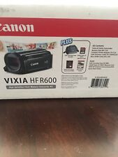 Canon VIXIA HF R600 HD Camcorder Kit Carrying Case 16GB Memory Card Brand New
