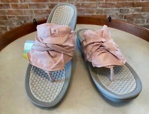 BareTraps Cameo Rose Pink Bow Dianna Thong Sandals 8.5 New