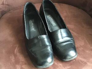 Cattivo women's Low Heel  shoes Black size 8