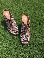 Urban Outfitters Kimchi Blue Floral Wedges Heel Shoes Size 7