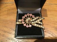 VINTAGE GOLD TONE Pink & Clear Coloured RHINESTONE BROOCH
