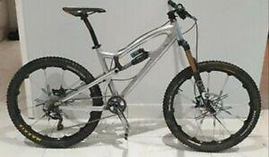 Santa Cruz Nomad. Full suspension mountain bike
