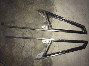 alfa romeo Spider 105/115 Dreiecksfensterrahmen Li & Re