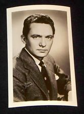 Peter Finch 1940's 1950's Actor's Penny Arcade Photo Card