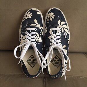 VANS Canvas Palm Leaf Print Shoes Blue Navy White Mens Size 7.5