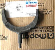 NEW MOPAR DODGE CHRYLSER PLYMOUTH JEEP A-833 A833 4-SPEED TRANS FORK 3-4 3410038