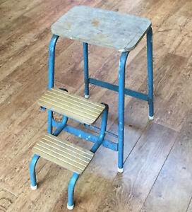 Vintage Retro Kitchen Steps / Stool Retractable Steps Blue Metal & Wood FREE P&P