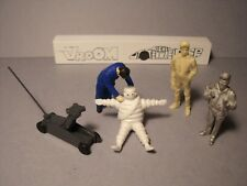 4  FIGURINES  1/43  SET 382  ENSEIGNE  MICHELIN  VROOM  UNPAINTED  FOR  CITROEN