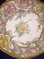 """Nipon Japan Antique Raised Gold Tone Hand Painted Roses Footed Porcelain 7"""" Bowl"""