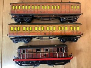 Hornby O Gauge 12 Volt DC Electric Metropolitan Loco with 2 Coaches