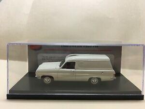 1/43 TRAX TRR105B 1966-1968 HR Panel Van – White