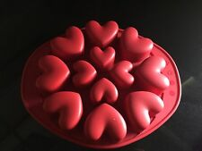 MASTRAD SILICONE HEART SHAPED MUFFIN MOULD 12 Cup