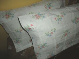 VINTAGE CANNON FEATHERLITE FLORAL PINK BLUE WHITE (2) STANDARD/QUEEN PILLOWCASES