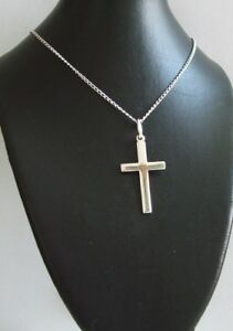 New 925 Sterling Silver Cross and 20 Inch Curb Chain Inc Gift Pouch