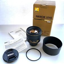 Nikon 85mm 1.4g af-s nano coated prime lens in box and all accessories