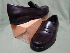 Mens size 11 ½ M Bostonian Lites cordovan leather casual penny loafers shoes