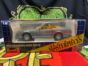 Revell Socale Masterpieces 1990 Mercedes Benz 500SL 1:18 DieCast Convertible AMG