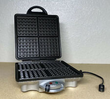 VillaWare UNO Classic 4 Square Belgian Waffle Iron Maker Waffler V2001C Chrome