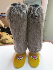 AUTHENTIC NATIVE AMERICAN MUKLUKS W/FUR WRAP AND ELASTIC TOP - 9 1/2 IN