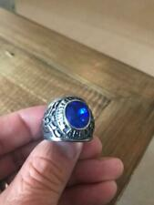 HEAVY GENTS US ARMY RING. MEN'S BLUE STONE UNITED STATES MILITARY RING SIZE R