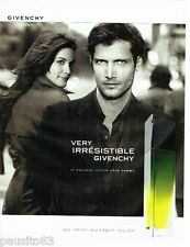 PUBLICITE ADVERTISING 126  2005  parfum homme Very Irrésistible Givenchy