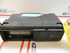 03-06 mercedes clk cd changer with mag 2208274642 mc3330 OL0853