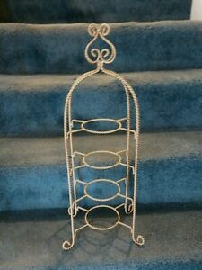 CUP & SAUCER GOLD DISPLAY STAND TWISTED WIRE   (CUPS/SAUCERS NOT INCLUDED)