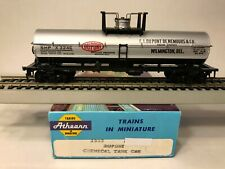 HO Athearn Blue Box Chemical Tank Car Dupont, SHPX  #3246 - Lot #3