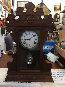 (NO46) Antique Sessions Mantle Strike Clock American Oak 1920's U.S.A.