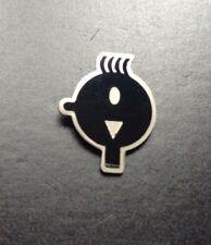 Pin's Tintin ceci n'est pas une pomme  PARFAIT ETAT TDL 84
